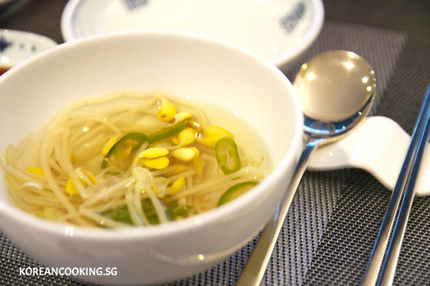 BEANSPROUT SOUP