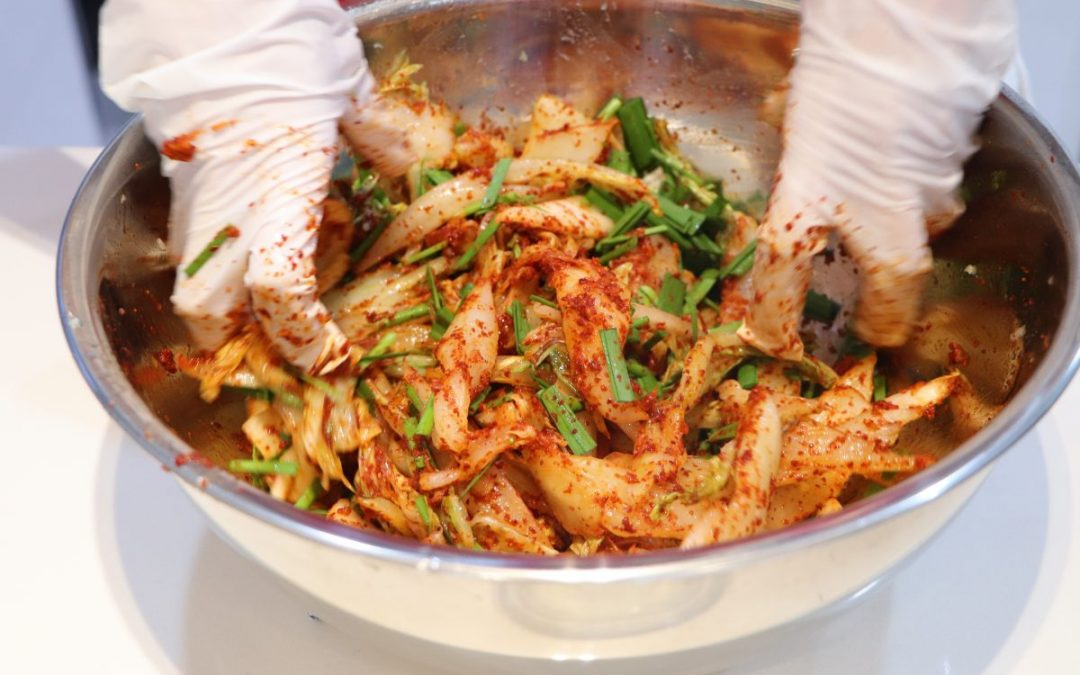Another kimchi-making lesson!