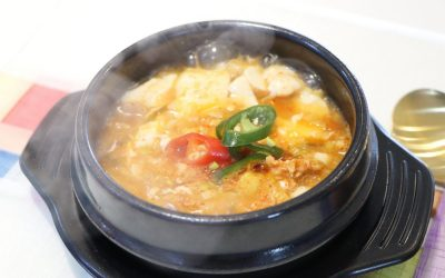 Sundubu-jjigae with pork (순두부찌개)